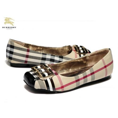 d1352fea49a99 BURBERRY  Chaussures de sport - Baskets Westford Pour Femme ... Burberry  Bottines en cuir avec empiècement house check femme Chaussures Noir